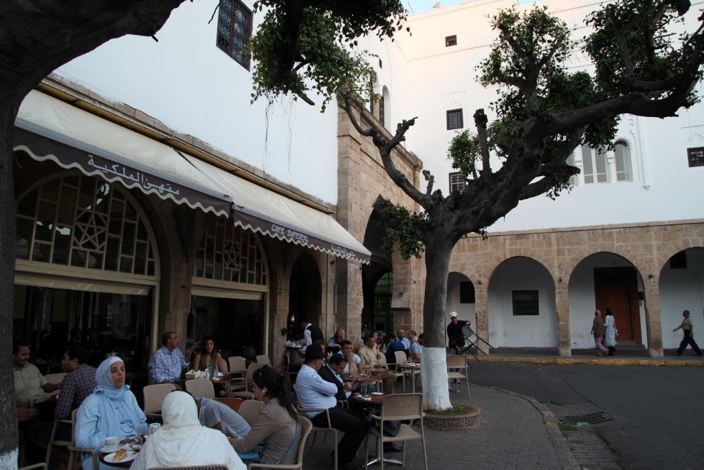 مقهى بحي الأحباس أو الحبوس بالدار البيضاء