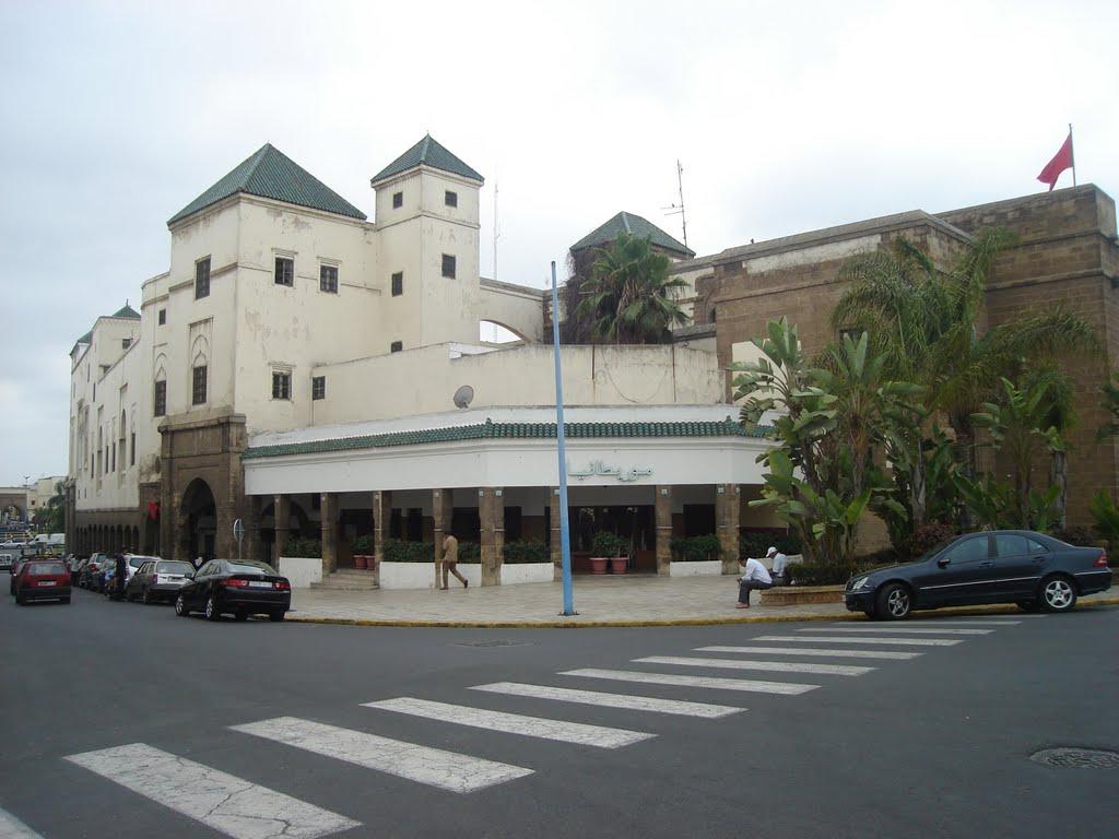 مقهى شهيرة بحي الأحباس أو الحبوس بالدار البيضاء